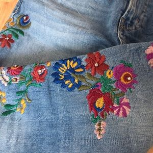 ZARA PREMIUM COLLECTION DENIM WITH FLORAL APPLIQUE